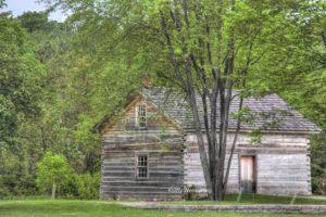 dr-mudge-log-cabin
